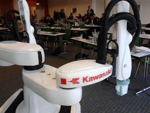 robot colaborativo Kawasaki doble brazo en epm2017