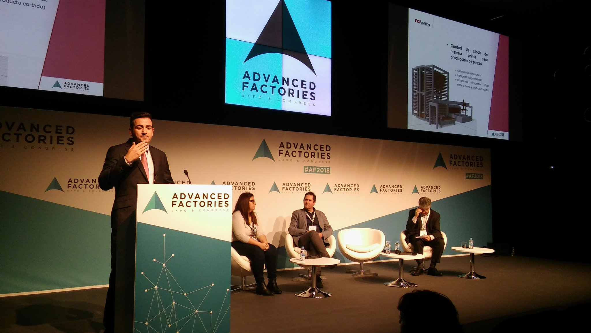 Foto charla Advanced Factories 2018 Xabier Iturralde