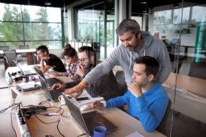 Cursos Larraioz Academy. Contenidos más recientes en automatización, movimiento eléctrico y robótica