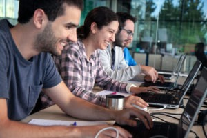 Retroalimentación, conectar y aprender junto a otros usuarios